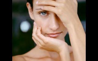 Папилломы на лице — причины, осложнения, удаление, профилактика