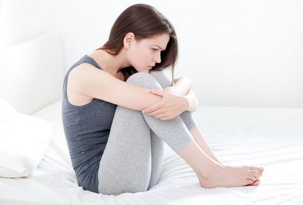 Тухлый запах из интимной зоны - причина появления и как от него избавиться