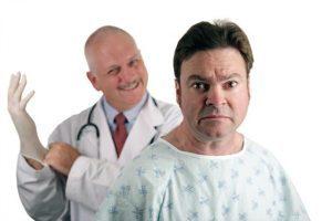 Гнойные выделения из уретры у мужчин: их причины и лечение