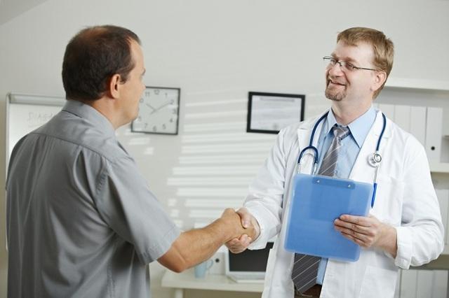 Выделения у мужчин - как отличить патологию от нормы