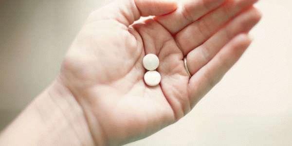 Как избавиться от выделений у женщин: медикаментозное лечение и народные методы