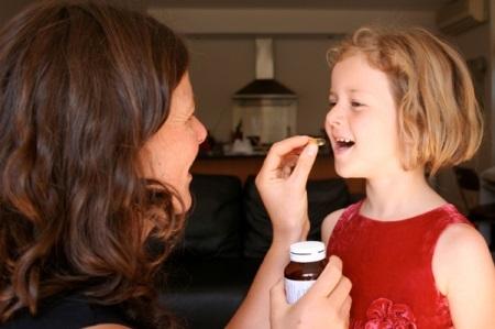 Как принимать Флюкостат при молочнице у девушек?