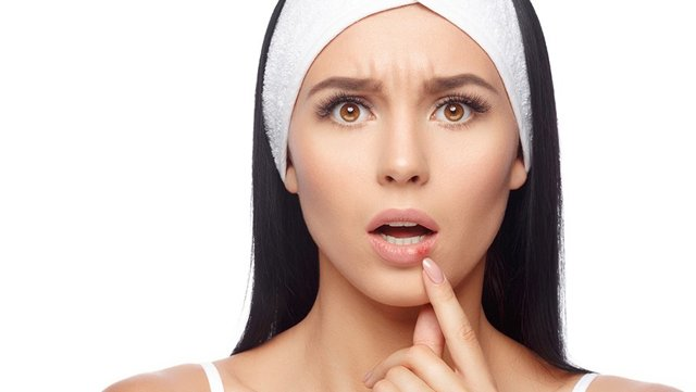 Герпес при грудном вскармливании (ГВ): можно ли кормить грудью, как лечить?