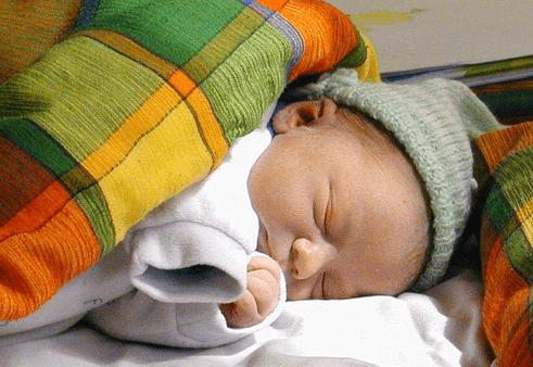 Молочница на языке у грудничка - почему возникает и как лечить?