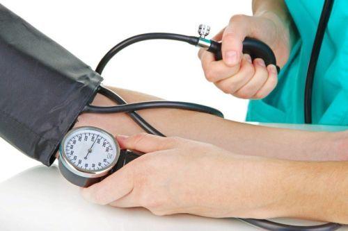 Белок в моче и лейкоциты повышены - что это может быть за болезнь?
