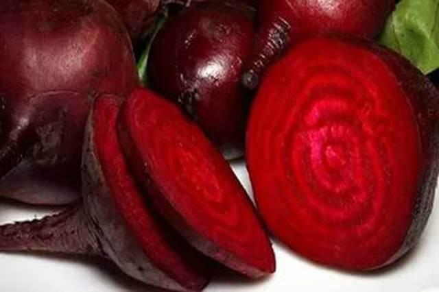 Красная моча - причины, диагностика и возможное лечение