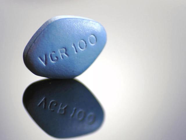 Как лечить импотенцию у мужчин - препараты, операция или психотерапия?