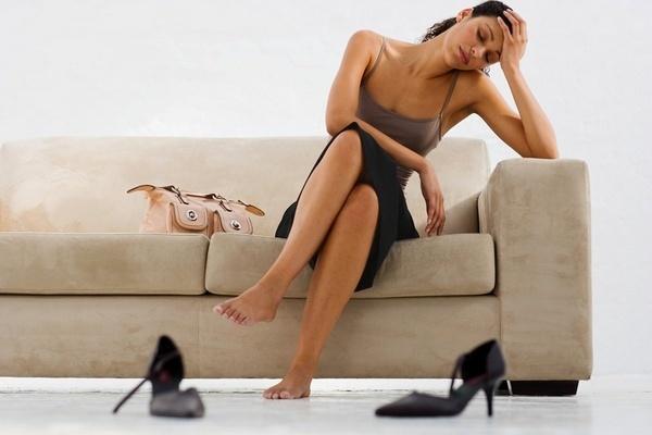 Сифилис у женщин: симптомы, первые признаки и лечение