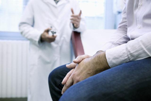 Сифилитическая алопеция – как проявляется, какие причины и лечение?