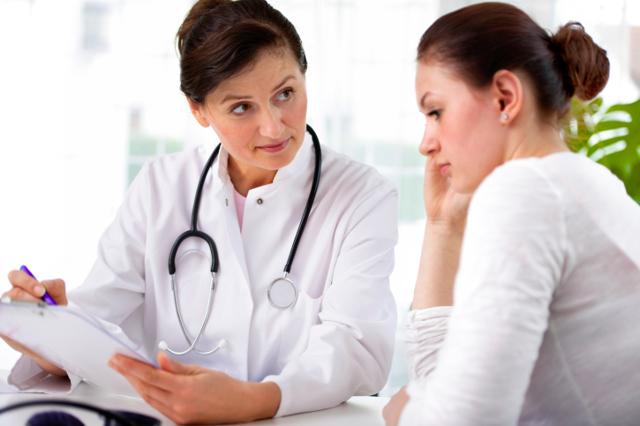 Белые выделения при беременности: виды, причины, что делать