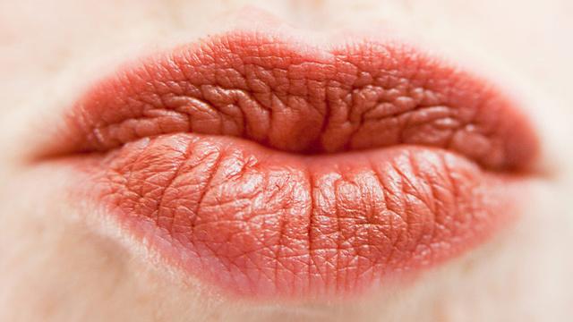 Передается ли гепатит С через слюну при поцелуи