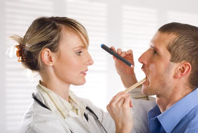 Хламидиоз горла: проявления, лечение у взрослых и детей
