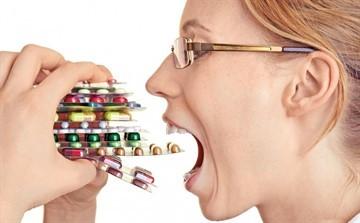 Резкий запах мочи у женщины: причины, диагностика, лечение