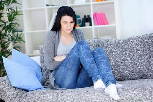 Зеленые выделения при беременности: причины, лечение и последствия